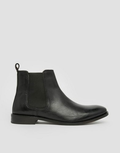 b59b3e1f9213c Do I mean to say that the Asos Chelsea Boot isn't deserving of your  purchase? Well, if you're looking for a legitimate looking Chelsea that  falls within a ...
